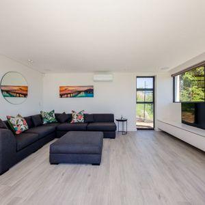 Tv lounge; VILLA VIEWS - Camps Bay