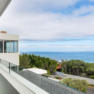 Ocean Views; 15 ON HELY - Camps Bay