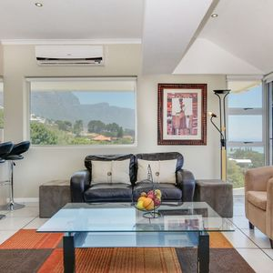 Living & kitchen area; 270 DEGREES - Camps Bay