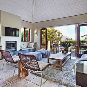 Living & TV area; MOUNTAIN LODGE - Hout Bay