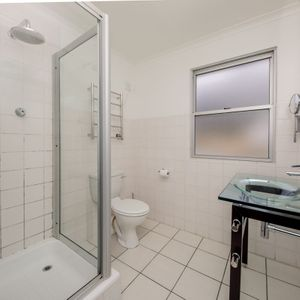 Third en-suite; BLUE SHORE VILLA - Camps Bay