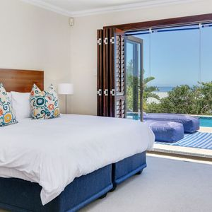 Master bedroom; BLU YONDER - Camps Bay