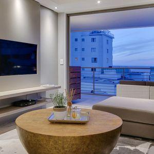 Lounge & TV; 204 FAIRMONT - Sea Point