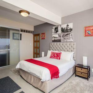 Master bedroom; OCEAN JAZZ -Camps Bay