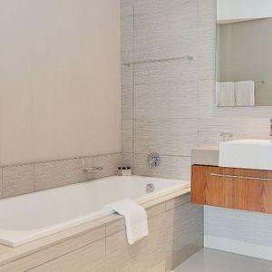 En-suite to second bedroom; 317 HARBOUR BRIDGE - Foreshore