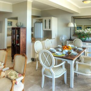 Dining & Kitchen area; ROODEBERG VIEWS - Camps Bay