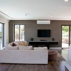 Living area & TV; THE GARDEN PATH - Camps Bay