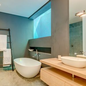Bath and Shower; WATERWAY - Camps Bay