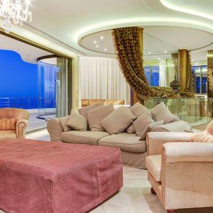 Living space in master; LE GRANDE - Bantry Bay