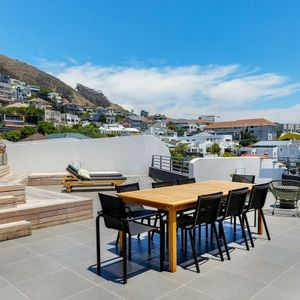 ; PENTHOUSE ON POINT - Green Point