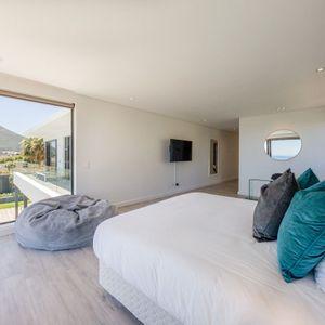 Main bedroom; VILLA VIEWS - Camps Bay