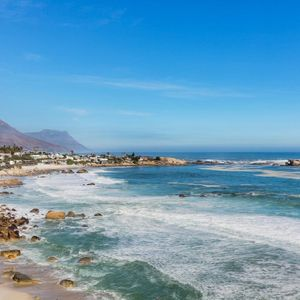 Mountain & Ocean views; B3 VALHALLA - Clifton
