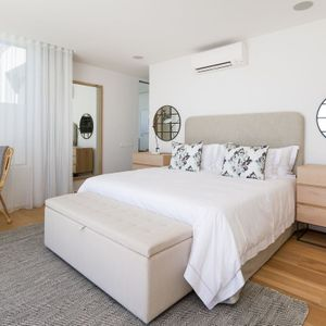 Master bedroom; Topaz - Camps Bay