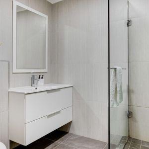 Dedicated bathroom; MEDBURN ALCOVE - Camps Bay