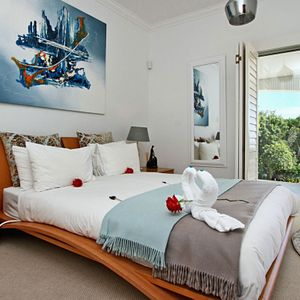 Master Bedroom; ALABASTA - Camps Bay