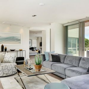 Lounge and Terrace; 15 ON HELY - Camps Bay