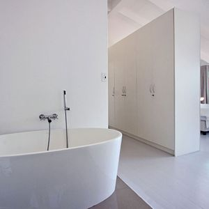 En-suite to master; BUNGALOW ON 4th - Clifton