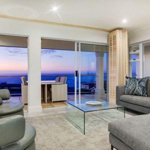 Lounge; MEDBURN ALPHA - Camps Bay