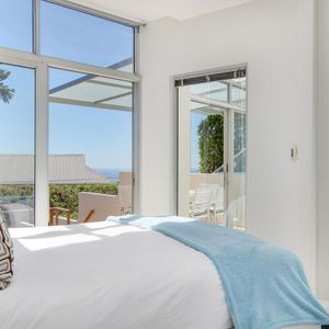 Second bedroom & Views; SEA ESCAPE - Camps Bay