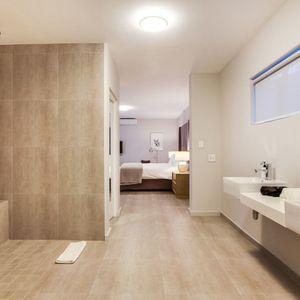 Master Bathroom; Apostle's Edge - Camps Bay