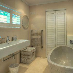 En-suite to master bedroom; PRIDE VILLA - Bakoven