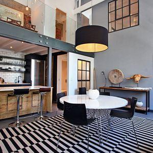 Dining & kitchen area; BANDAR - Cape Town City Centre