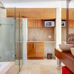 En-suite to seventh bedroom; 100 ON GENEVA - Camps Bay
