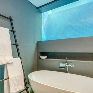 Bath; WATERWAY - Camps Bay