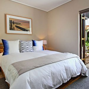 Master bedroom; MOUNTAIN LODGE - Hout Bay