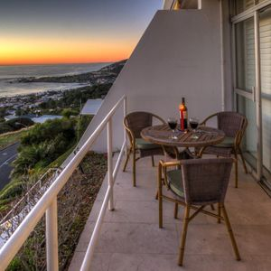 Balcony & seating; ROODEBERG VIEWS - Camps Bay