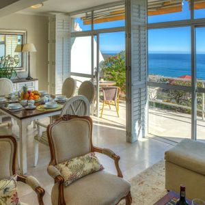 Living area & view; ROODEBERG VIEWS - Camps Bay