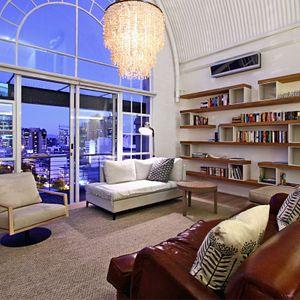 Lounge; CITY VIEW LOFT - CBD