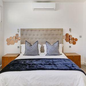 Master Bedroom / Ocean Bedroom; SELENE MOON - Camps Bay