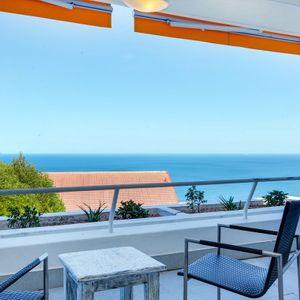 Balcony & Sea views; CAMPS BAY DRIFT - Camps Bay