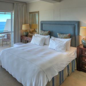 Master bedroom; ROODEBERG VIEWS - Camps Bay