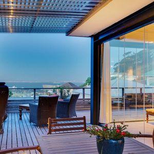 Outdoor seating; OCEAN VIEW TREASURE-Sea Point