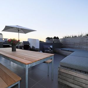; SIGNAL PENTHOUSE - Green Point