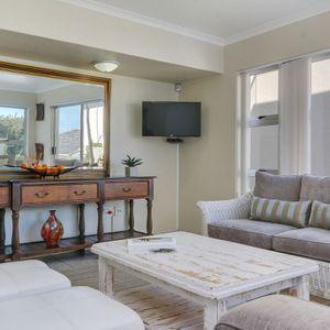 Lounge & TV; IAGO - Camps Bay