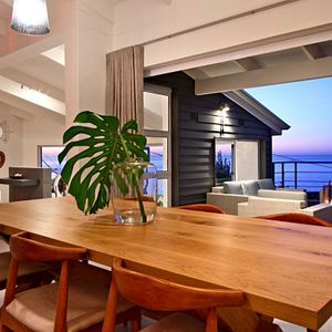 Dining area & view; BUNGALOW ON 4th - Clifton