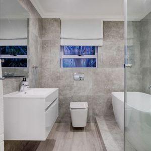 Shared bathroom; MEDBURN ALPHA - Camps Bay