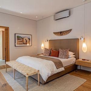 Bedroom Master; 53 Napier - De Waterkant