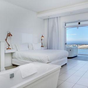Master Bedroom & En-suite; NELSON'S HOME - Camps Bay