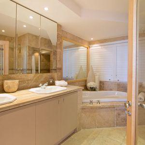 Master bedroom en suite; CLIFTON BELLE - Clifton