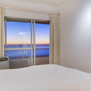 Second bedroom & Sea views; Águila Views - Camps Bay