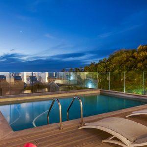 Pool; MEDBURN ALCOVE - Camps Bay
