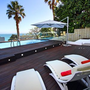 Deck & pool; MEDBURN ALCOVE - Camps Bay