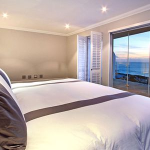 Master bedroom & views; MEDBURN ALCOVE - Camps Bay