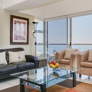 Living area; 270 DEGREES - Camps Bay