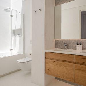 En-suite to second bedroom; VILLA VIEWS - Camps Bay