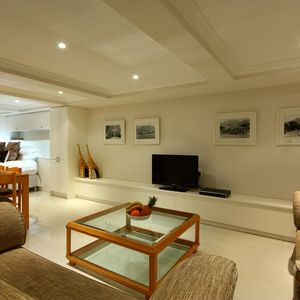Living area & TV; SELBOURNE - Sea Point